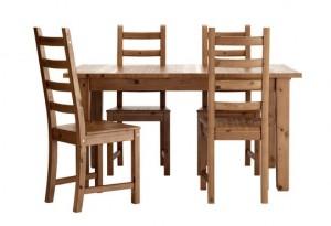 IKEAのテーブル1