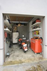画像②ガレージのある家