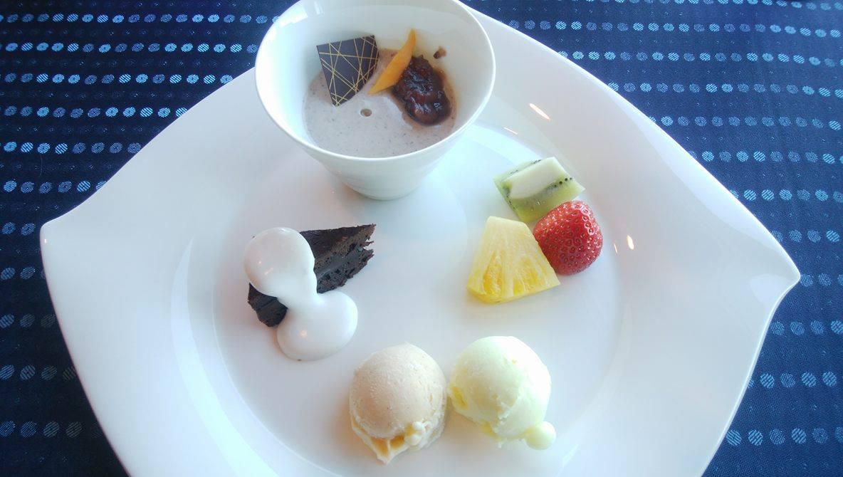 ホテルモントレ横浜_デザートの盛り合わせ