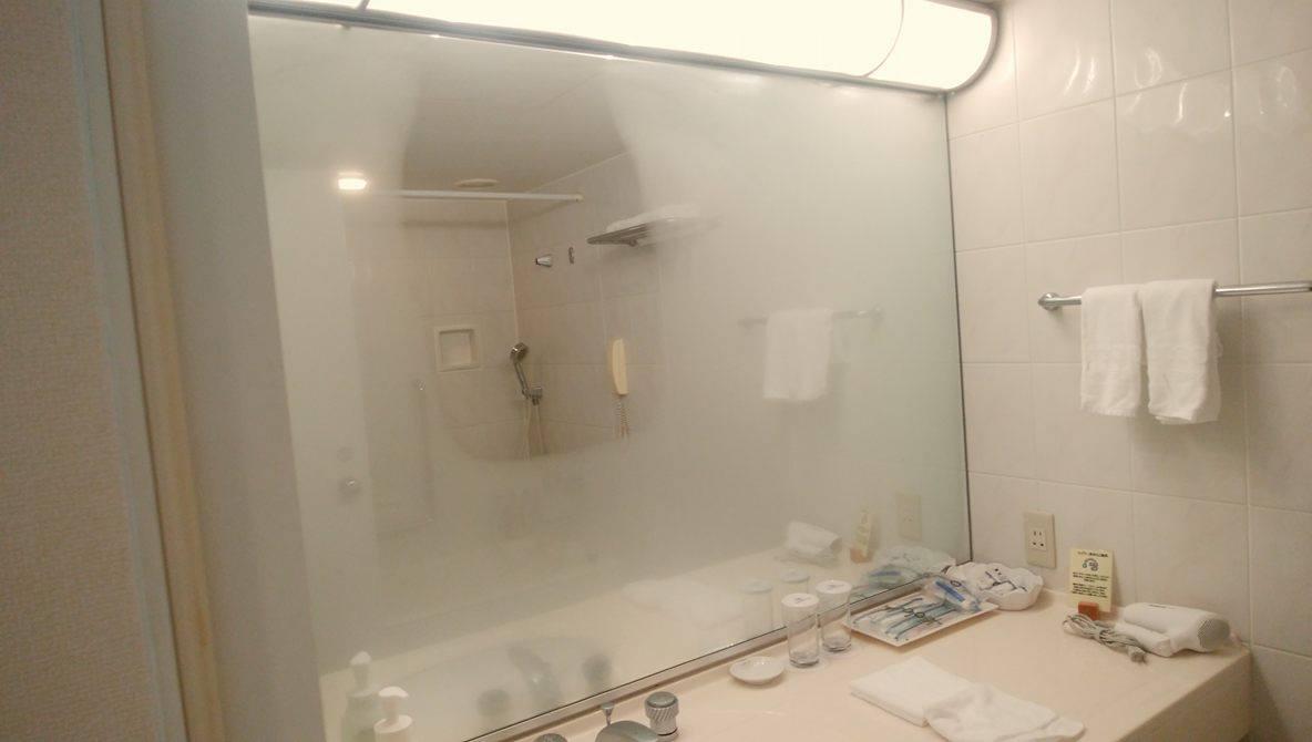 ホテルモントレ横浜_明るいパウダールーム