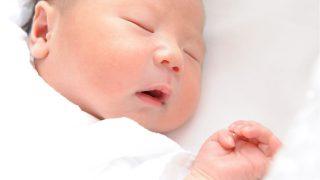 新生児落屑、乳児脂漏性湿疹、ひっかき傷、虫刺され……生後2ヵ月を迎えた息子が体験した肌トラブル【第19回】
